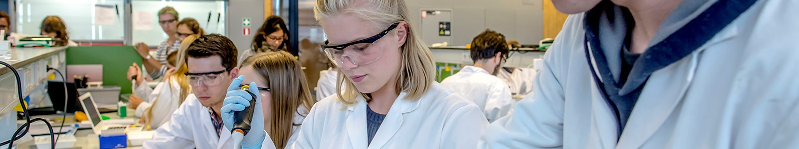 Molecular and Biophysical Life Sciences (MBLS) in lab