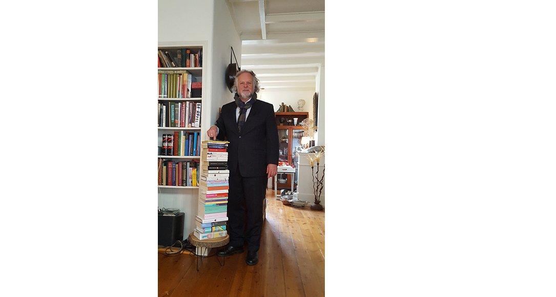 Emile Wennekes met zijn Murakamicollectie. Foto: wwclassics
