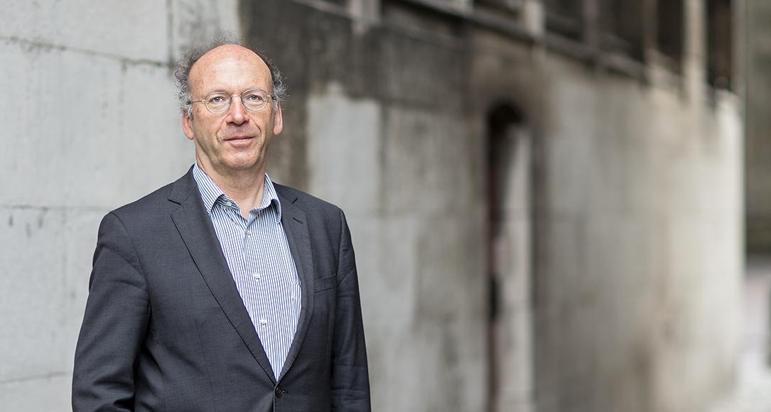 Professor meester Frans Pennings, hoogleraar Arbeidsrecht.