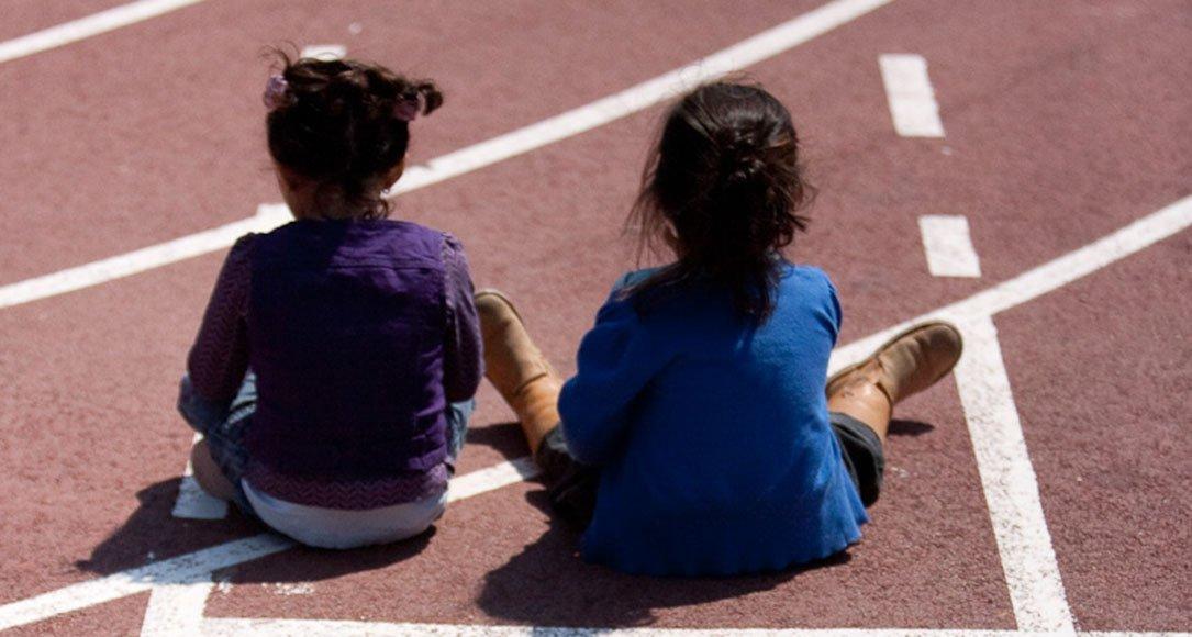 Children on hardcourt
