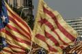 Protestmars met Catalaanse vlaggen tegen dreigende lucht