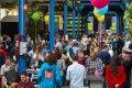 Een uitverkochte eerste editie van het 'We doen het zelf wel' Festival. Foto Wil Groenhuijsen