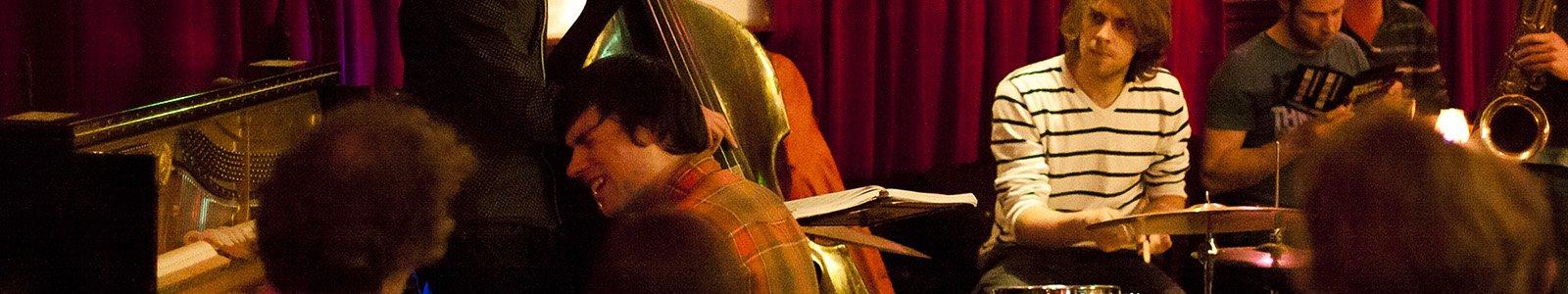 Muziekpodium foto: Joris Jehle