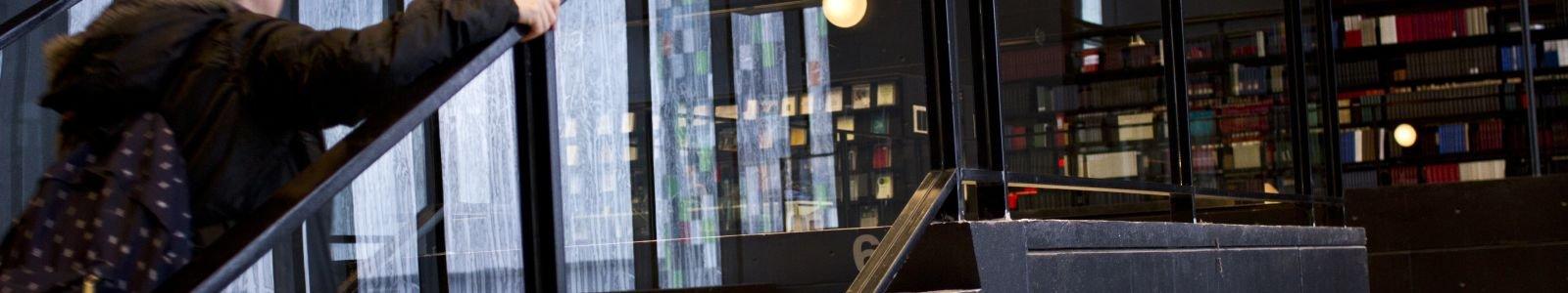 trap naar zesde verdieping in de UB Uithof