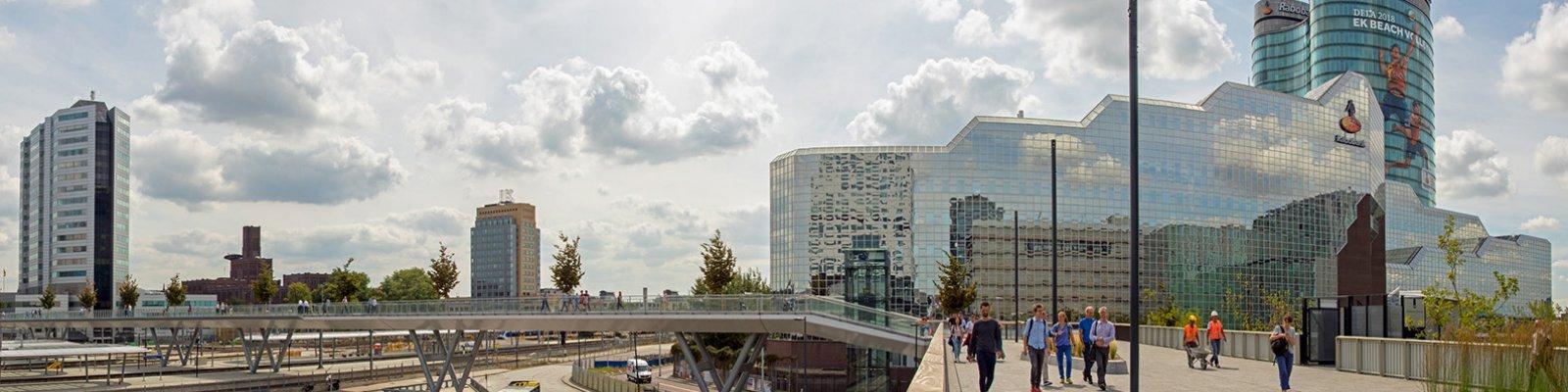 Voetgangesbrug over Utrecht Centraal station