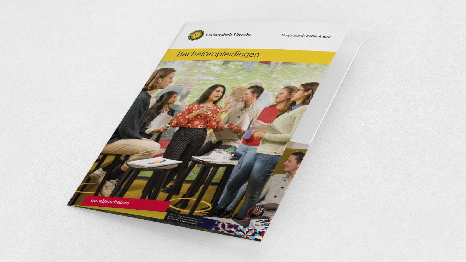 Bachelor communicatie brochure