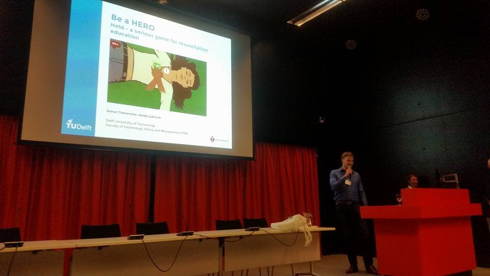 """The TU Delft with their winning project """"Held"""" during the annual GALA conference 2016"""