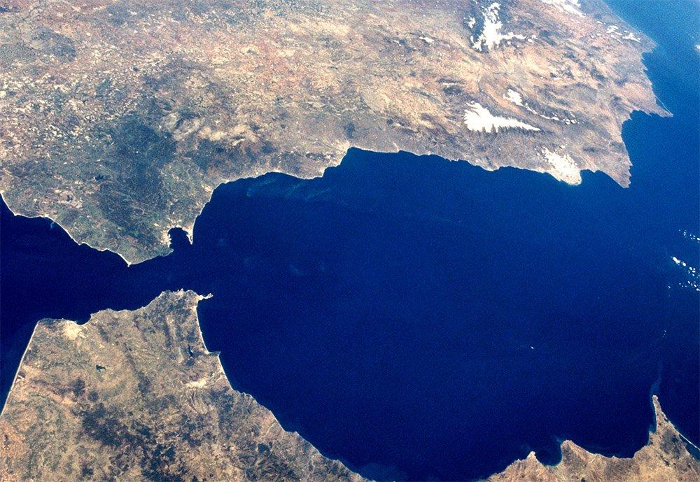 Straat van Gibraltar. Beeld: NASA