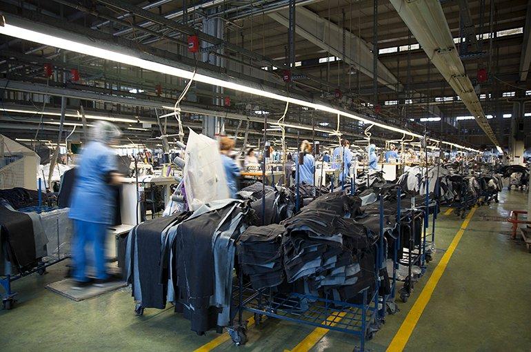Textile factory © iStockphoto.com