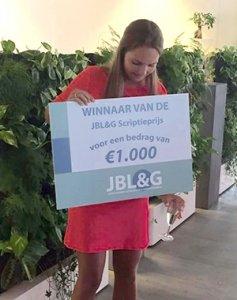 Kirsten Maes wint Scriptieprijs JBL&G