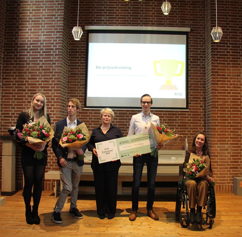 Uitreiking van de ECIO Frank Award (v.l.n.r.: Emma Hoogenraad, Jelle Meuwissen, Marjan Hammersma, Richard Horenberg en Jiska Stad-Ogier) )