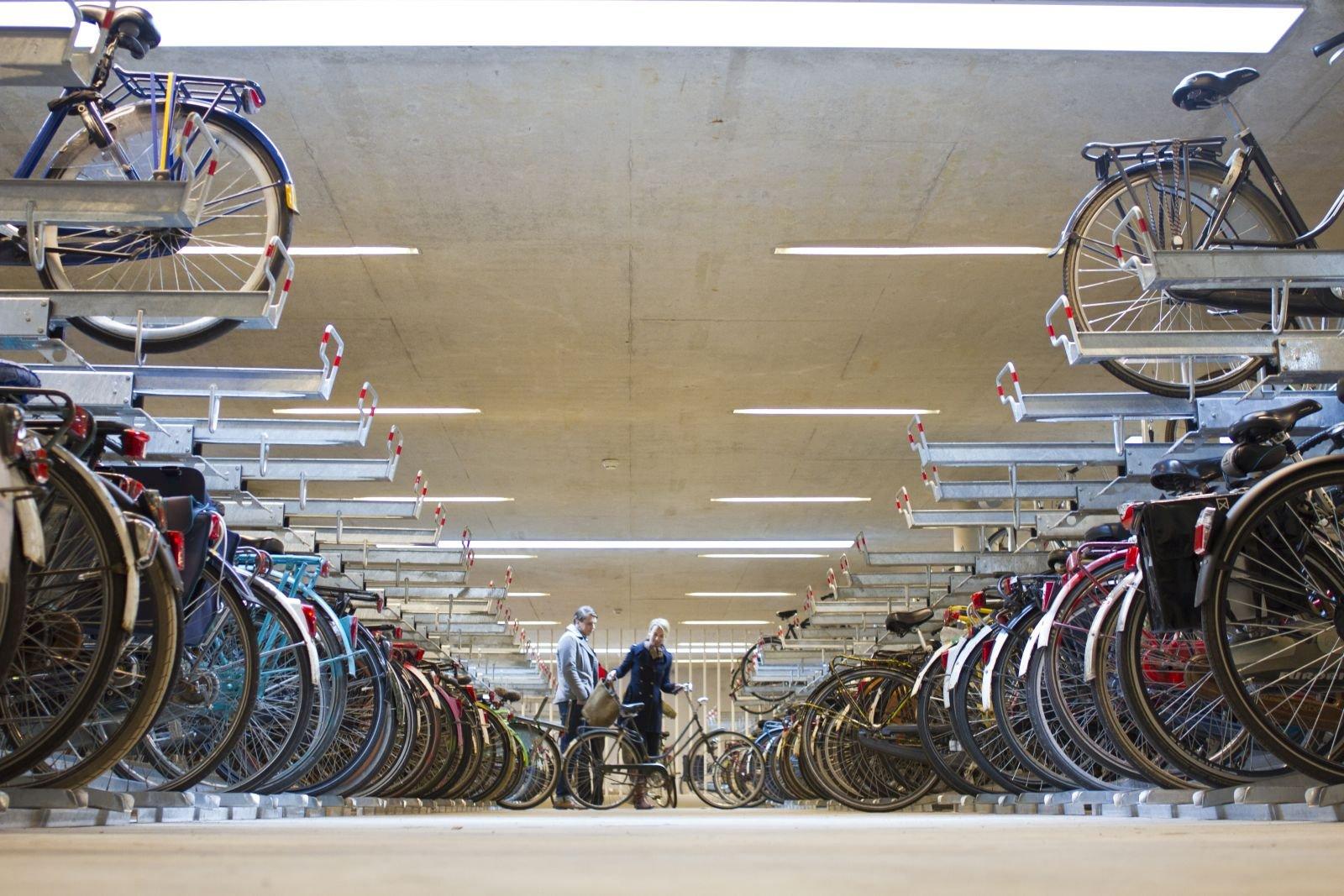 fietsenstalling onder binnenplein UB Binnenstad