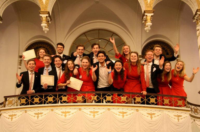 De UUMUN-delegatie van 2017.