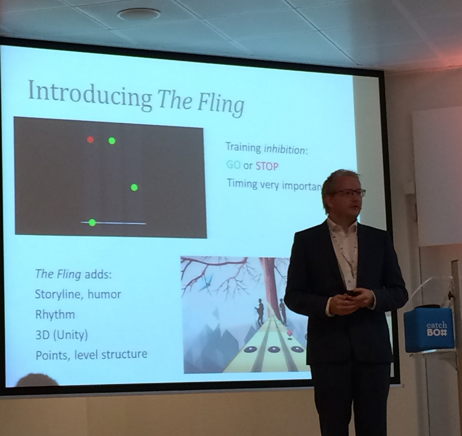 Wouter Boendermaker presenting his game Fling and it's findings at the Games for Health conference