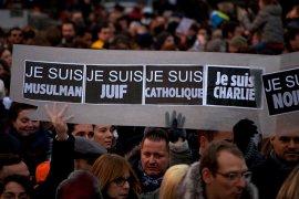 Demonstranten met 'je suis' posters - Wikimedia Commons/Erik Walter