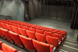 Parnassos 124 theaterzaal