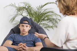 Jongen bij psycholoog