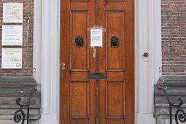Main entrance of Achter Sint Pieter 200