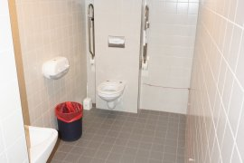 The accessible toilet at Buys Ballotgebouw