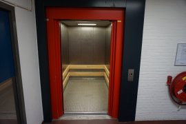 The elevator of the Caroline Bleeker building