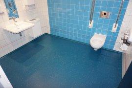 Accessible toilet at Kromme Nieuwgracht 80
