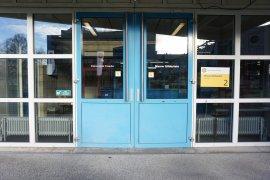 The doors of the main entrance of Nieuw Gildestein