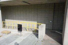 The wheelchair ramp of the main entrance of Nieuw Gildestein