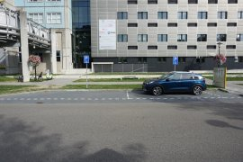 The disabled parking spaces located at the front of Nieuw Gildestein