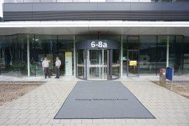 The main entrance of the Venig Meinesz building