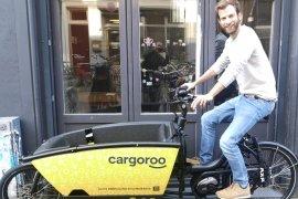 Lukas Held on a Cargoroo e-cargo bike