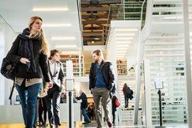Studenten in Universiteitsbibliotheek