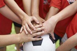 Handen op voetbal