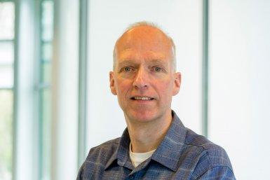 prof. Guus Velders