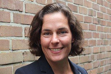 Dr. Eleni Braat