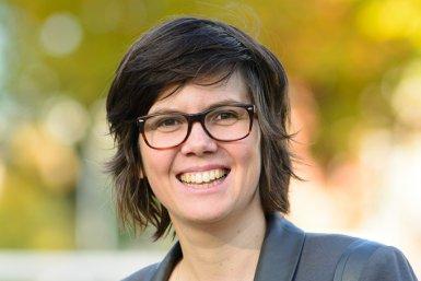 Dr. Karin van Es