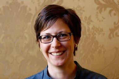Dr. Suzanne Knittel