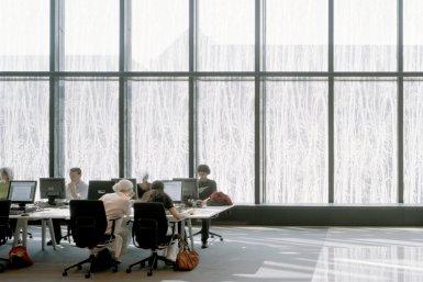Studenten in de Universiteitsbibliotheek Uithof