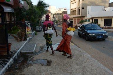 Vrouwen in Afrika op straat