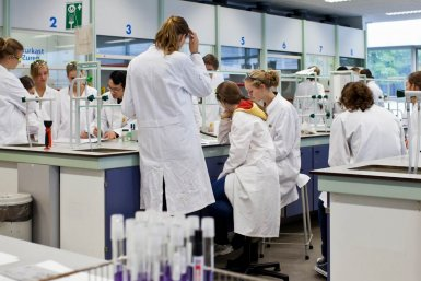 Education chemical biology and drug discovery utrecht university in teaching several bachelor as well as master courses of the pharmacy chemistry biomedical sciences and university college utrecht curricula spiritdancerdesigns Choice Image
