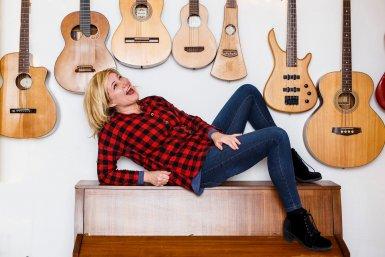 Dorine Wiersma Parnassos Cabaretpodium gitaren
