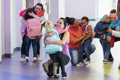 Ouders halen kinderen op van school