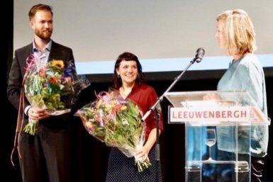 Daan van den Berg en Aurora Perego samen met juryvoorzitter Liesbeth van de Grift