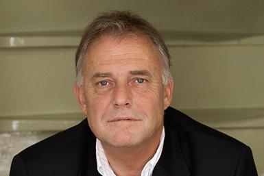 Prof. dr. Wiljan van den Akker. Foto Vincent Mentzel