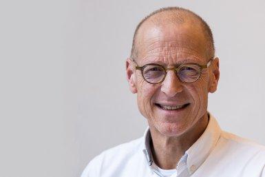 Dr. Bram Bouwens
