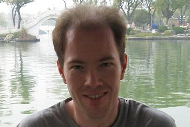 Dr. Bas van Leeuwen