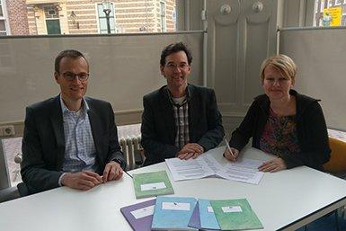 Vlnr Rob Grift, Universiteit Utrecht, Mirko Lukacs, Utrecht Holding, Monica Koster, Tekster. Foto: Joost Dankers