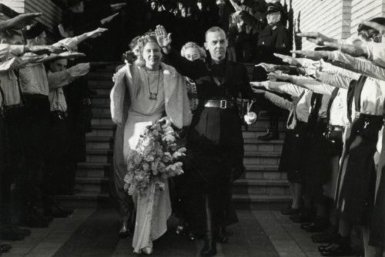 Huwelijk van NSB-voorman Meinoud Rost van Tonningen met Florentine Heubel, 21 december 1940, raadhuis Hilversum