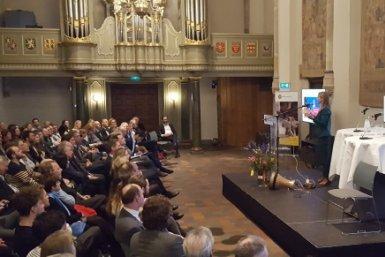 Impact Night 2018 Lot van Hooijdonk spreekt in de aula