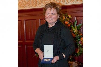 Patricia Faasse wint Boerhaave Biografie Prijs 2015