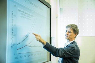 CLUe - Complexity Laboratorium Utrecht - Rick van der Ploeg